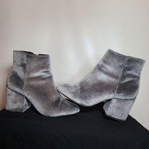 ALDO velvet booties size 9